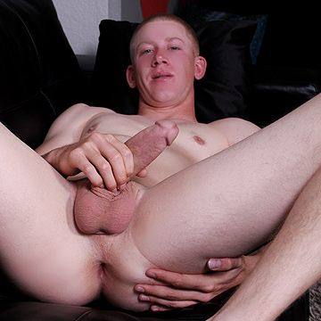 Newcomer Sonny Jacks Off | Daily Dudes @ Dude Dump
