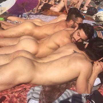 Peachy keen — Gay Mecca | Daily Dudes @ Dude Dump