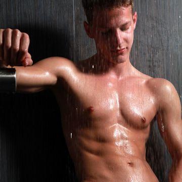 Peter getting a shower | Flesh 'n' Boners | Daily Dudes @ Dude Dump