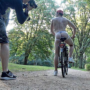 Public Naked Photoshoot | Daily Dudes @ Dude Dump