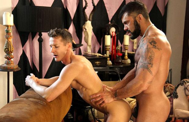 Rogan Richards fucks Darius Ferdynand | Daily Dudes @ Dude Dump