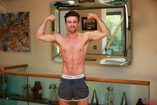 Ryan Kent wanking – uncut straight footballer cock | Daily Dudes @ Dude Dump