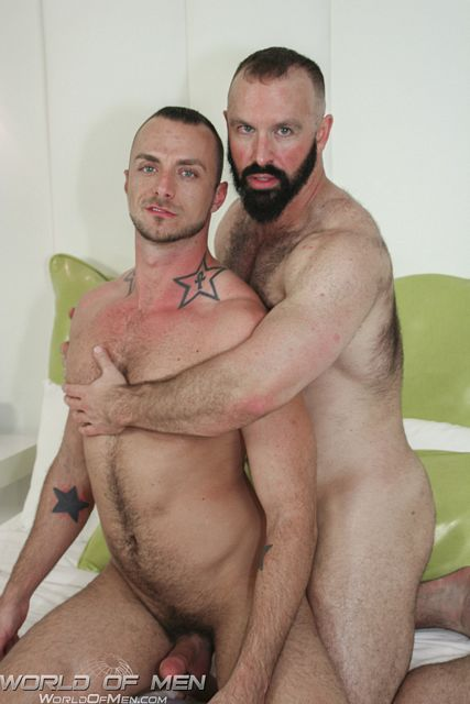 Sexy Bear Troy Webb fucks Jessie Colter | Daily Dudes @ Dude Dump