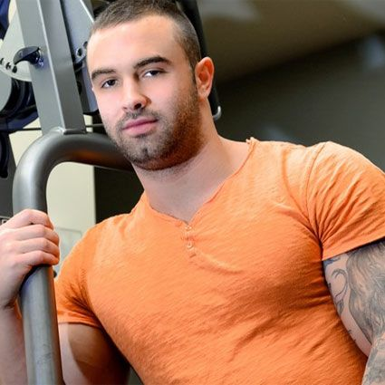 Sexy muscle hunk Calvin Pierce | Daily Dudes @ Dude Dump