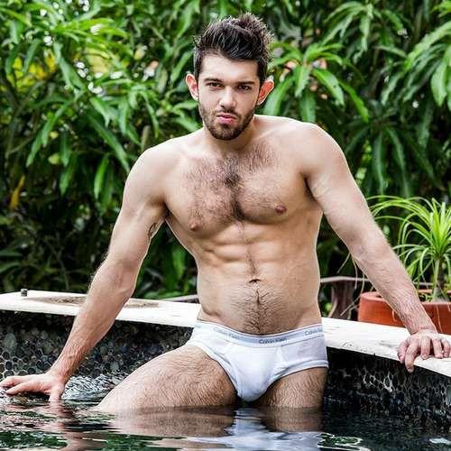 Sexy Russian Model Ben Batemen Shows Off | Daily Dudes @ Dude Dump