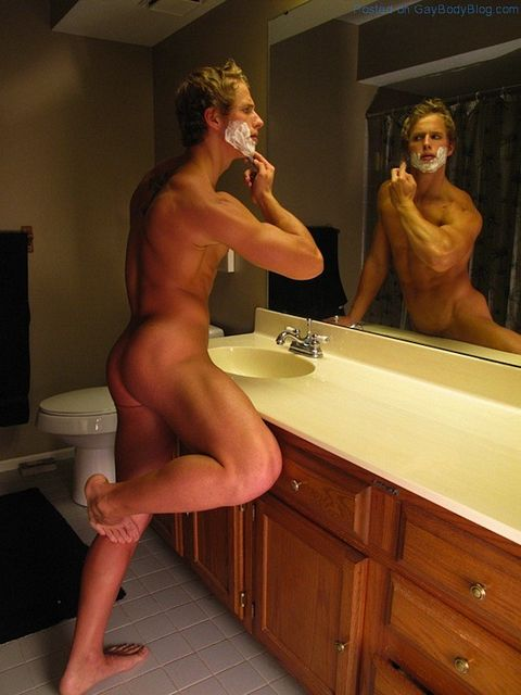 Sexy Shots By Dan Skinner | Gay Body Blog | Daily Dudes @ Dude Dump