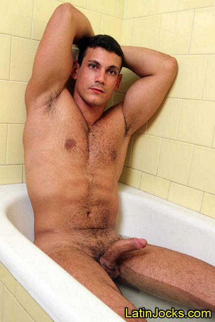 Sexy Soccer Player Vicente Takes a Hot Bath | Daily Dudes @ Dude Dump
