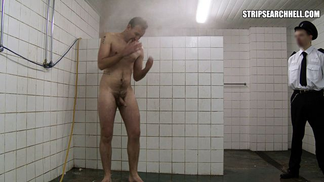 Shower Lads: Tough guy cold water bashing! ? | Daily Dudes @ Dude Dump