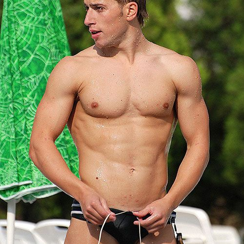Speedo Swimmer | Daily Dudes @ Dude Dump