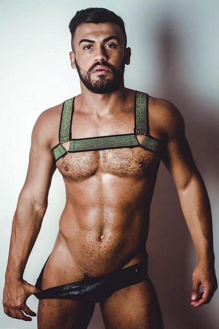 Sérgio Posing | Daily Dudes @ Dude Dump