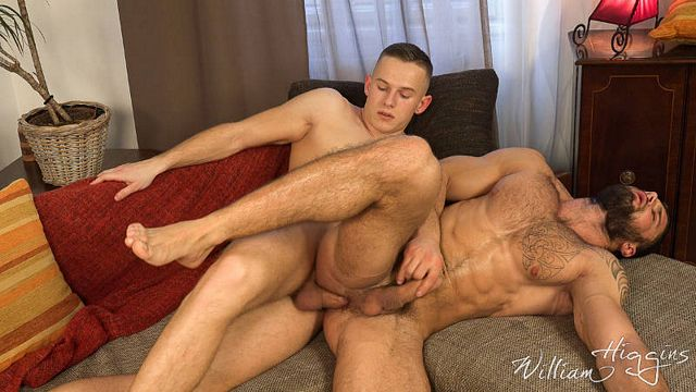 Str8 Leo Lombar – bareback bottom for Martin Hovor | Daily Dudes @ Dude Dump