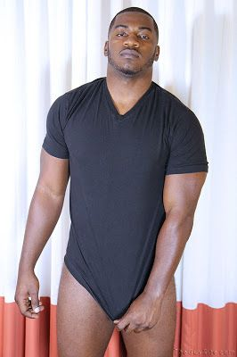 Terrance: 6'3″, 250 pounds and 8 1/2 inch of Dic | Daily Dudes @ Dude Dump