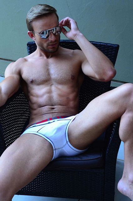 The Amazing Tyrone Nell | Daily Dudes @ Dude Dump