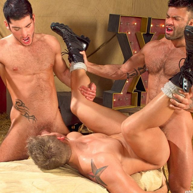 Threeway Sexfest Under The Big Top | Daily Dudes @ Dude Dump