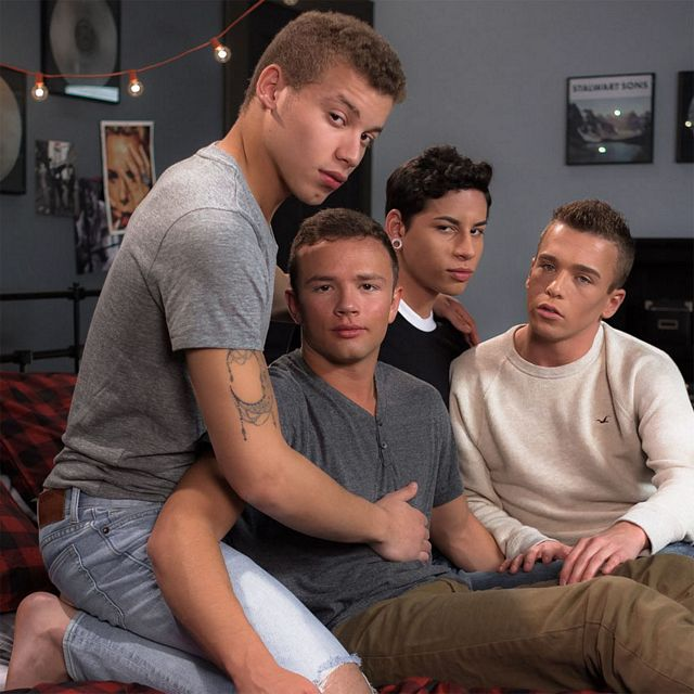 Twink bareback foursome | Daily Dudes @ Dude Dump