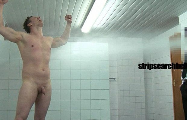 Unusual shower for this guy | Daily Dudes @ Dude Dump