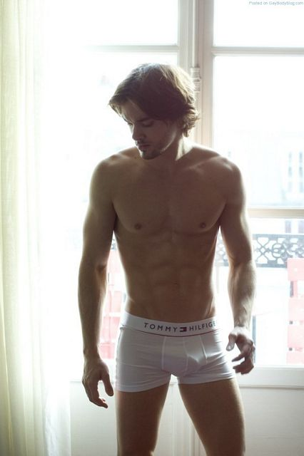 Waking Up With French Male Model Raphael Tosi | Daily Dudes @ Dude Dump