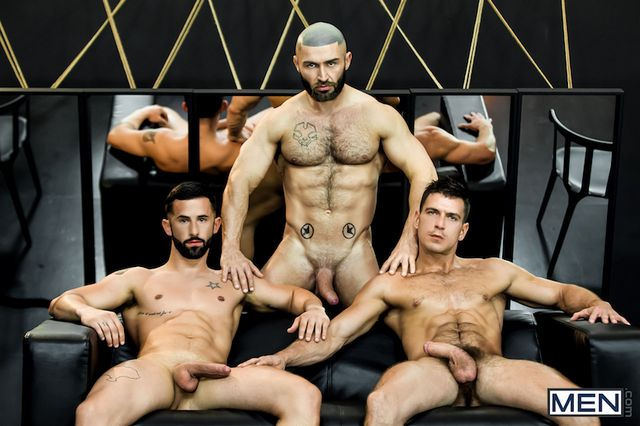 Watch dreams come true in a muscle cock threesome | Daily Dudes @ Dude Dump